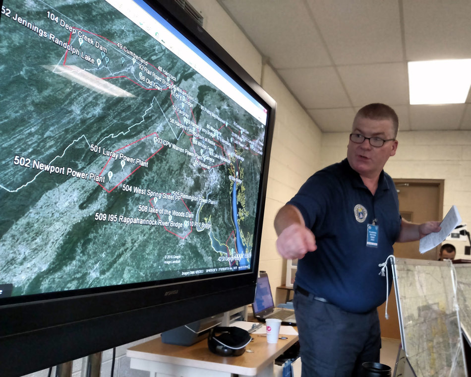 Briefing at a mission base during a search and rescue exercise.