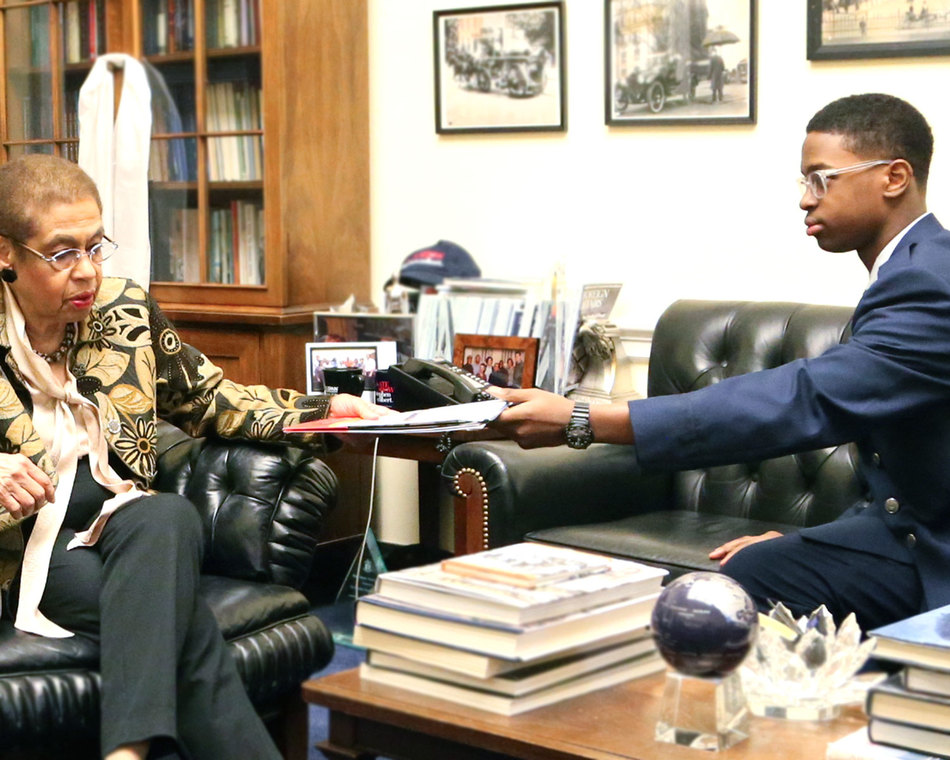 A cadet talks with Congresswomen Eleanor Holmes Norton about CAP.